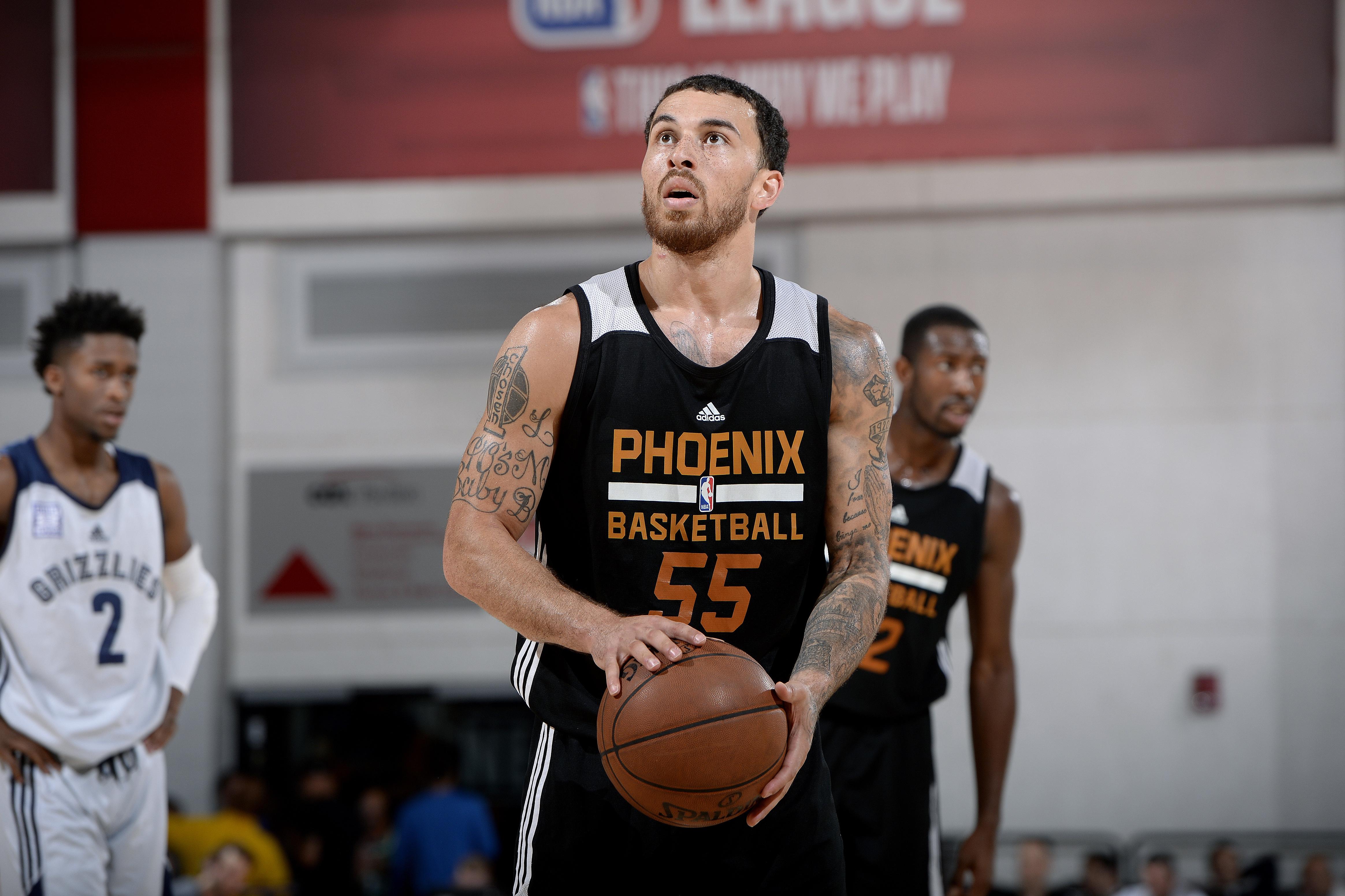 Milwaukee Bucks troll the Phoenix Suns ahead of solar eclipse
